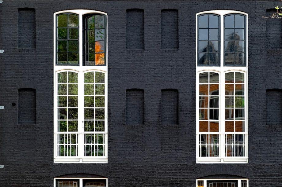 Les avantages et inconvénients d'une fenêtre à la forme originale