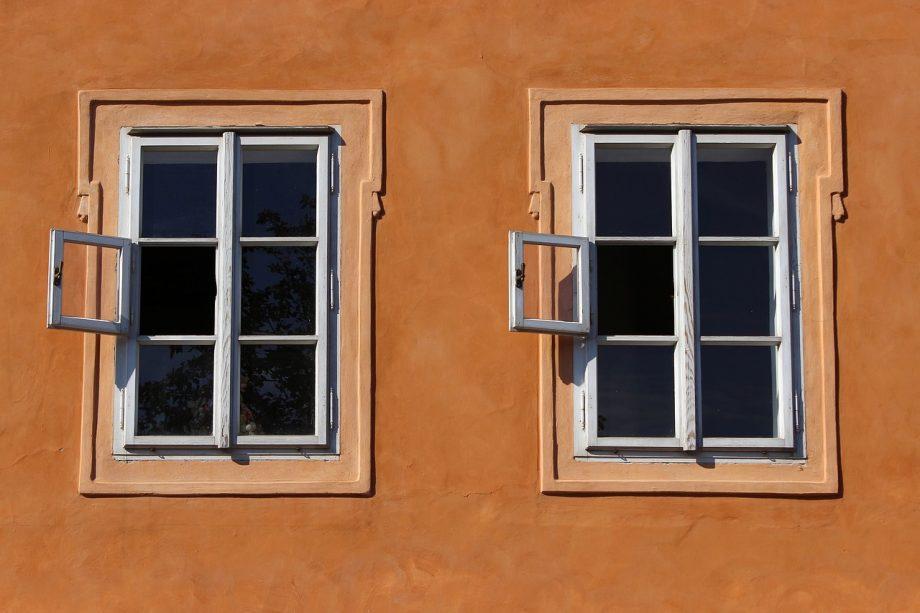 Comment choisir la couleur de sa fenêtre en fonction du matériau ?